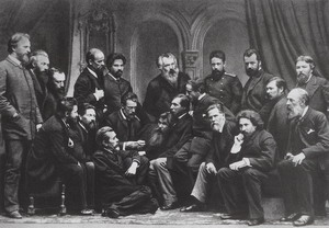 И.И. Шишкин (в центре) в группе членов ТПХВ