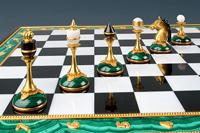 Шахматы (уральский малахит)